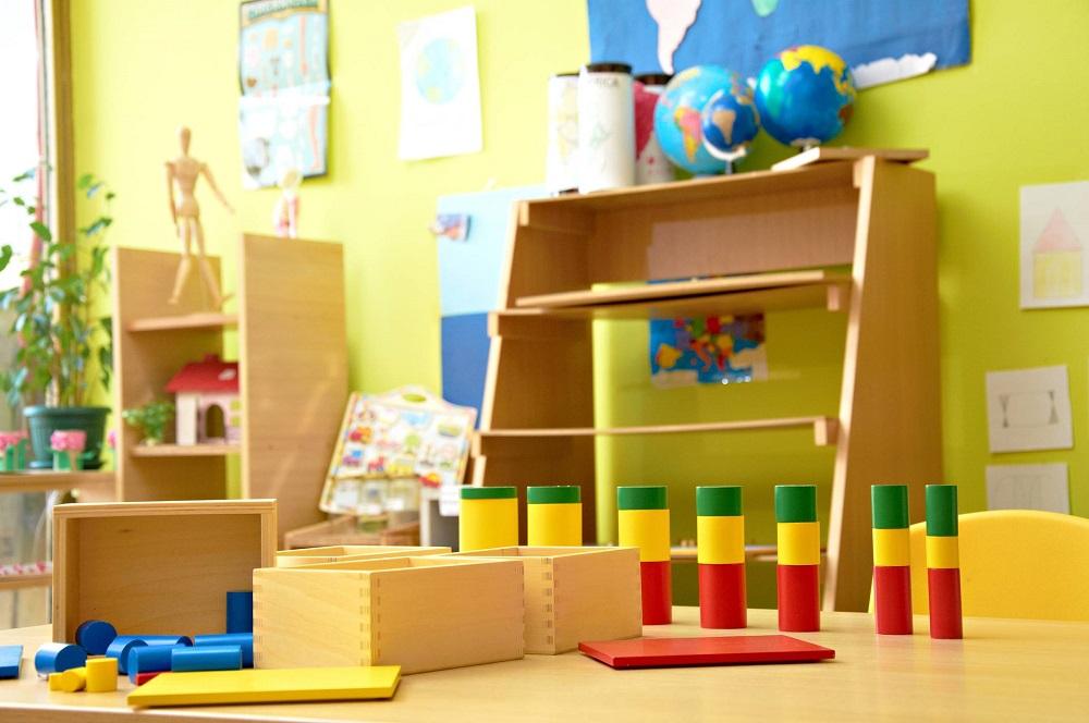 ecole utilisant la pédagogie montessori en classe