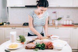 Manger ou pas du jambon blanc en étant enceinte ?