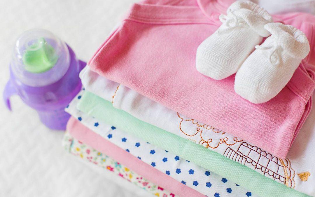 Quels vêtements mettre à son bébé dès sa naissance ?