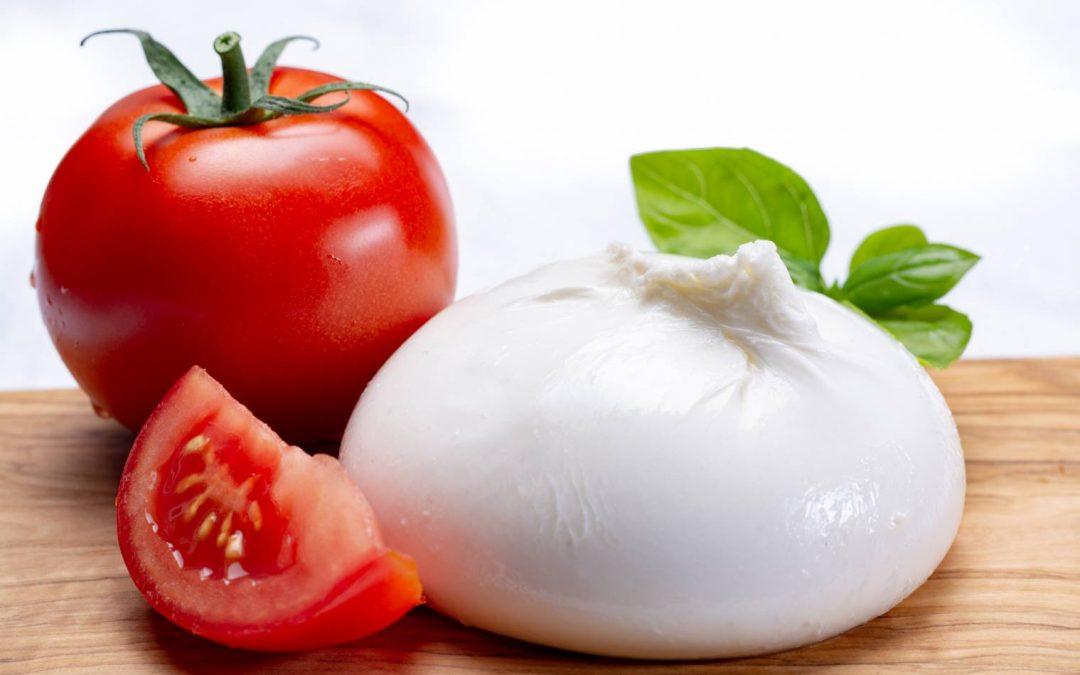 Manger de la mozzarella pendant la grossesse : est-ce possible enceinte ?