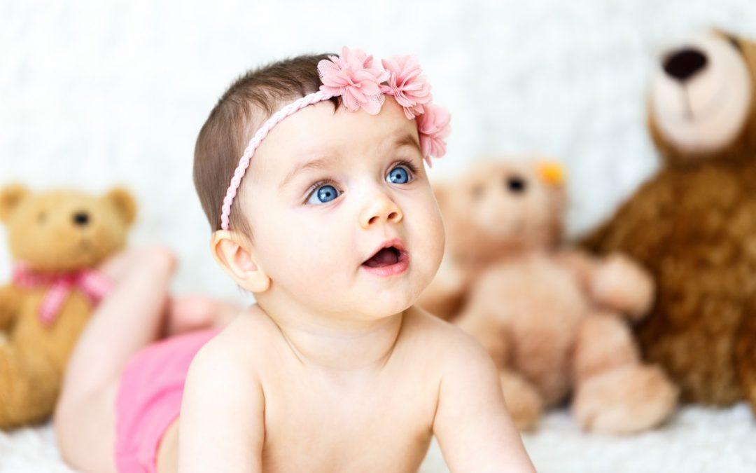 Gigoteuse, pyjama et peluche : 3 « must have » à glisser dans la check-list à prévoir pour bébé