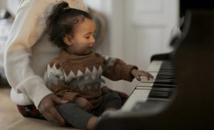 Les bienfaits de l'éveil musical sur les bébés